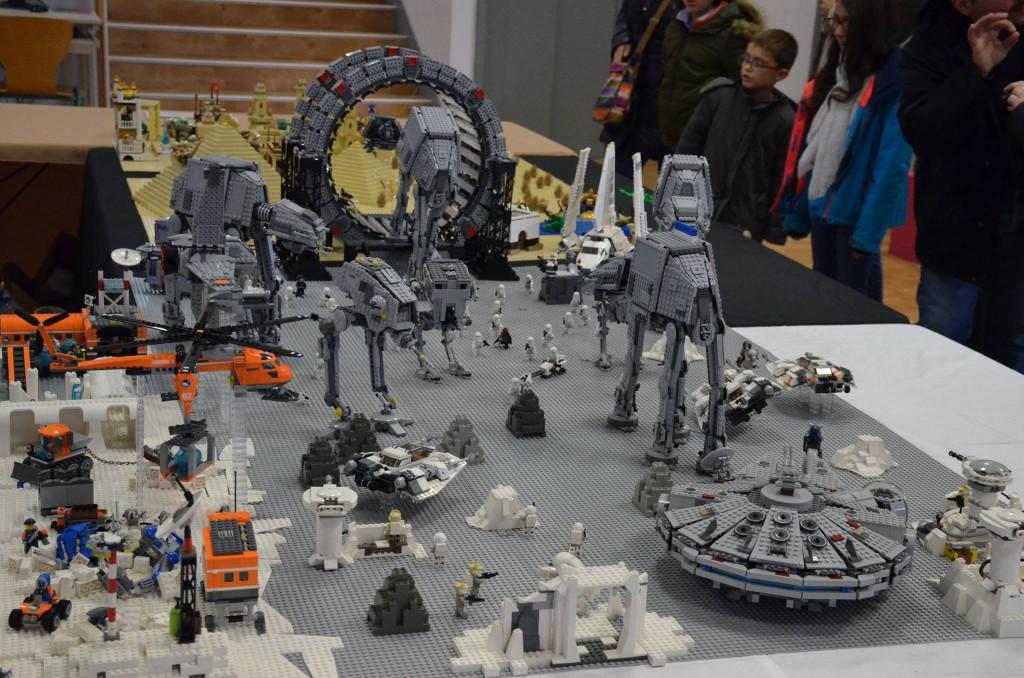transition entre le diorama artique, starwars et l'égypte